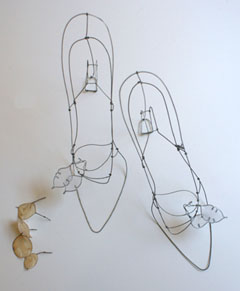 Catherine Gontier, Chaussure Monnaie du pape, Wire, size 39, €.200,-